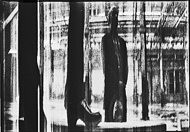 Смотреть трейлер Paper Shadows (2017)