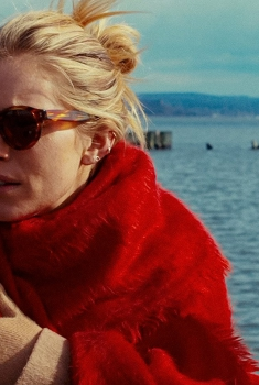 Смотреть трейлер The Private Life of a Modern Woman (2017)